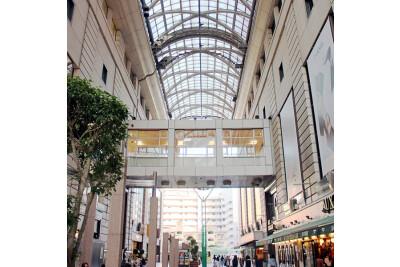エルガーラ・パサージュ広場