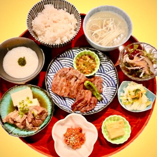 レストラン炭焼牛たん東山 秋のおすすめメニュー