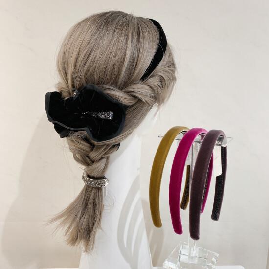 秋に付けたい!ベルベット素材のヘアアクセサリー3選✨