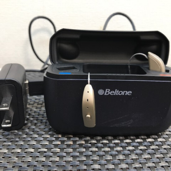最新型充電式補聴器のご紹介